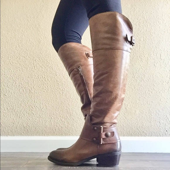 916bbcb4594 Vince Camuto knee high leather boots with zipper. M 5a8b2a4d8df47002af7d58d0
